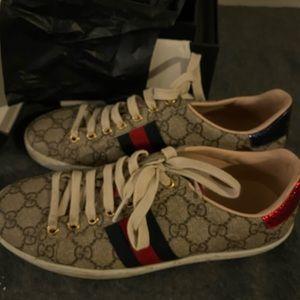 Gucci tennis shoes
